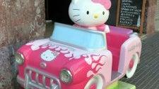 020 Hello Kitty Av. Pallaresa Sta Coloma De Gramenet 225x300